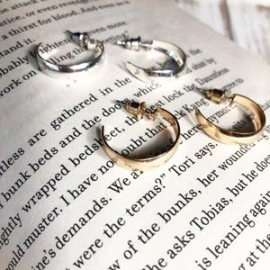 BUNDLE SMALL OPEN SILVER AND GOLD OPEN HOOPS